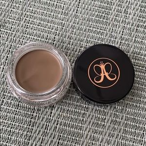 NEW Anastasia dipbrow pomade in TAUPE!